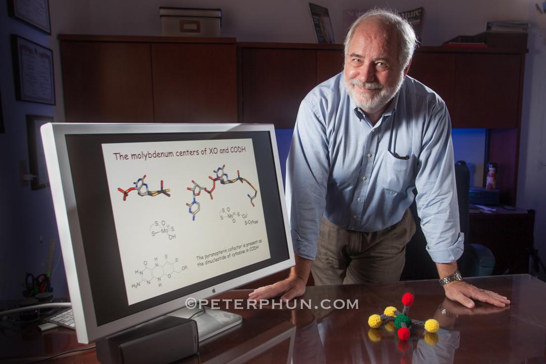 UCR professor Russ Hille