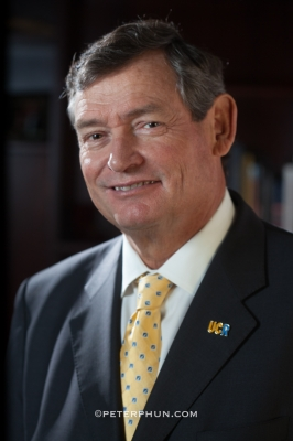 Former UCR Chancellor Timothy White